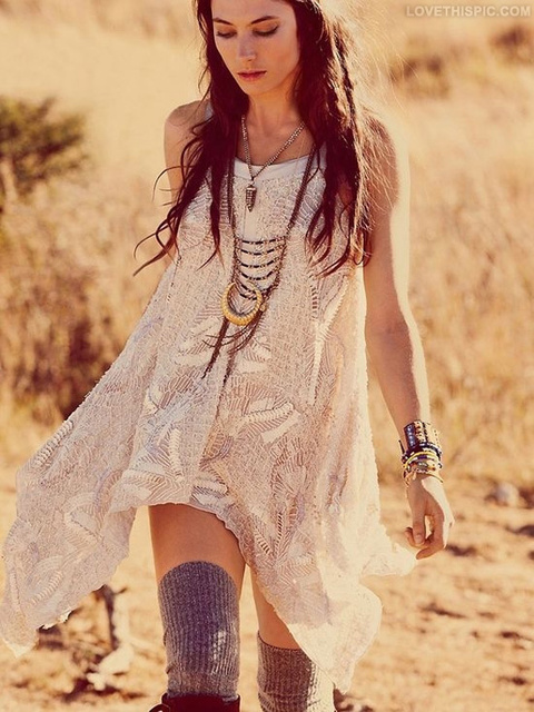 1429765677 girl in bohemian style outfit 2