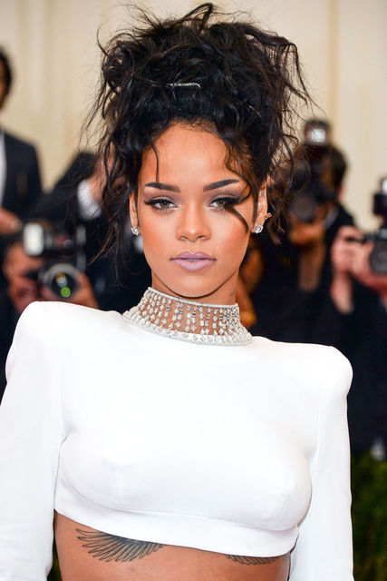 1430380092 5499212ba2e3e   hbz beauty rihanna article
