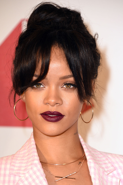 1430380364 rihanna best lipstick moments 12