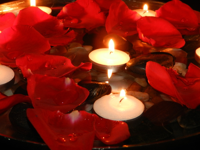 1430626144 rose petals candles