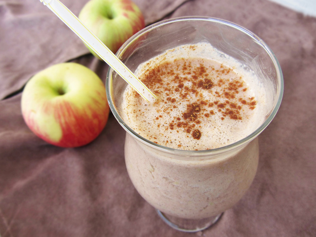 1431057028 apple pie smoothie picture