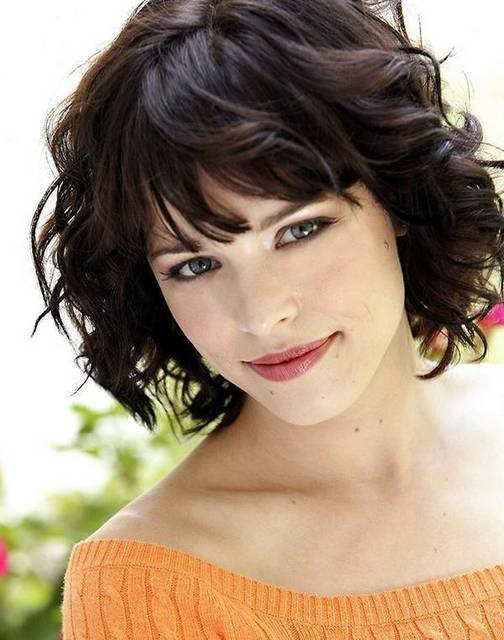 1431081252 short wavy hair for summer haircut 2014 2015 06