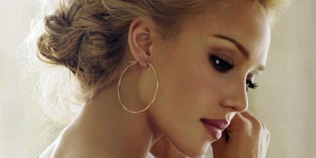 1431160732 fashion hoop earring jessica alba model photoshoot favim.com 447675