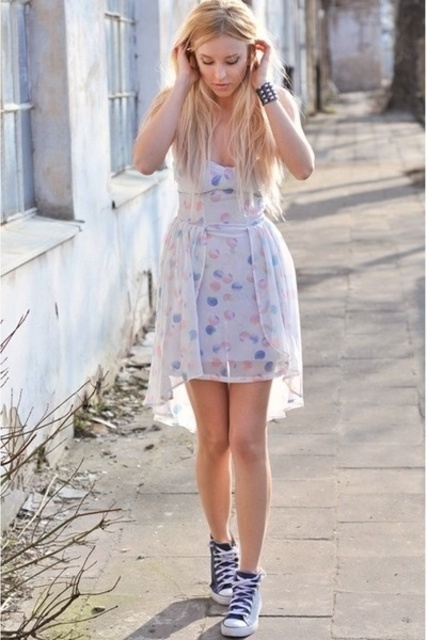 1431311623 dress and converse