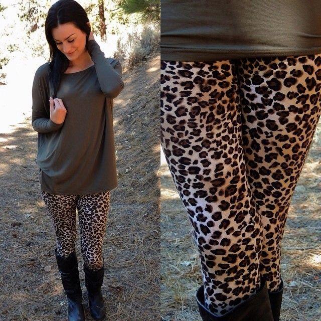 1431424001 loose top leopard print leggings