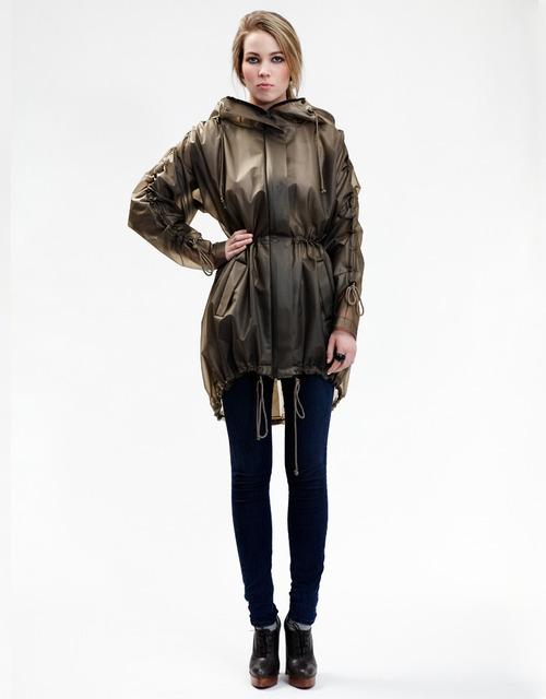 1431499341 raincoat1