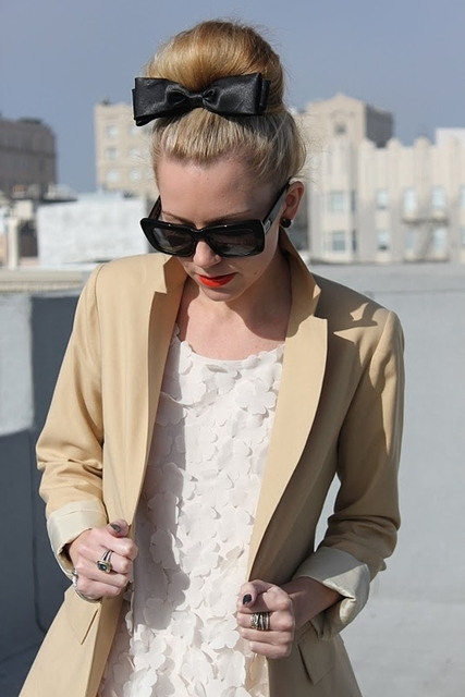 1431582952 black bow on top knot