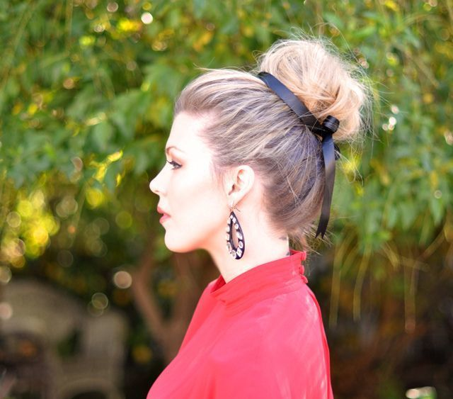 1431582966 top knot and black bow