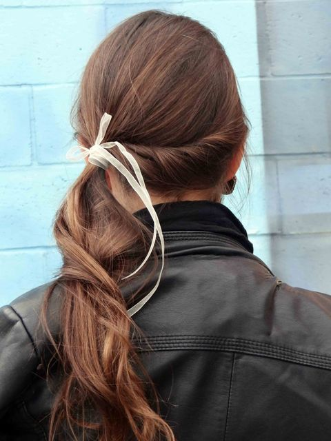 1431583062 side twist ponytail with ribbon
