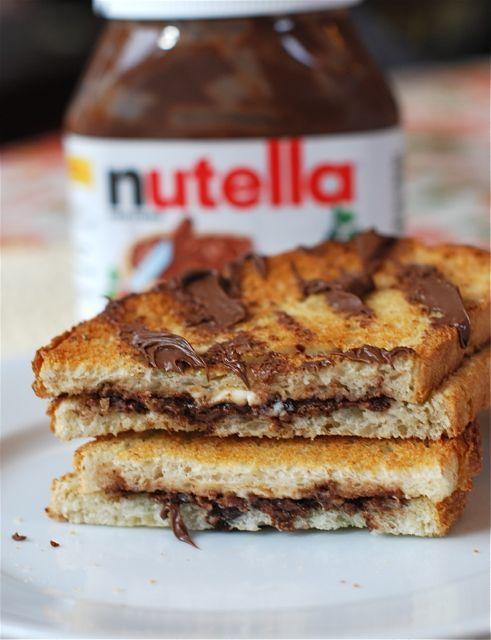 1431937299 nutella sandwich
