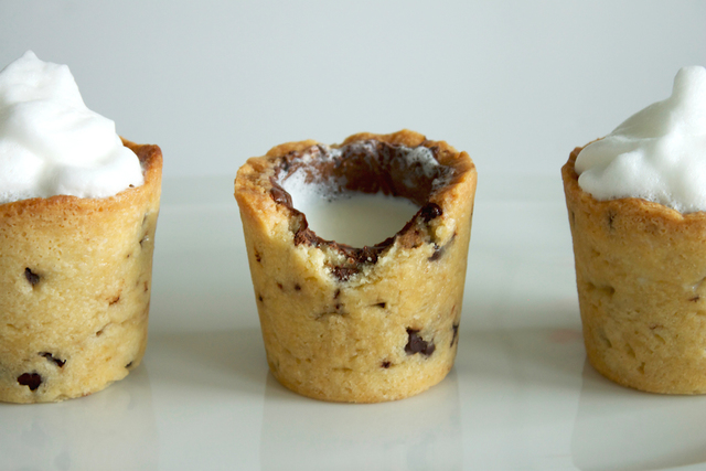 1432030581 chocolate chip cookie shots4