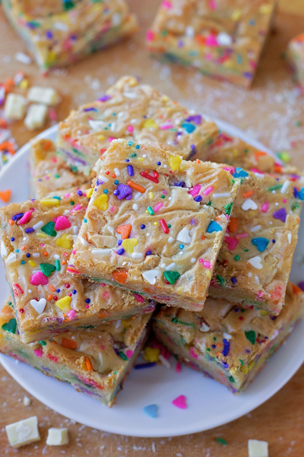 1432124149 funfetti birthday cake blondies 4