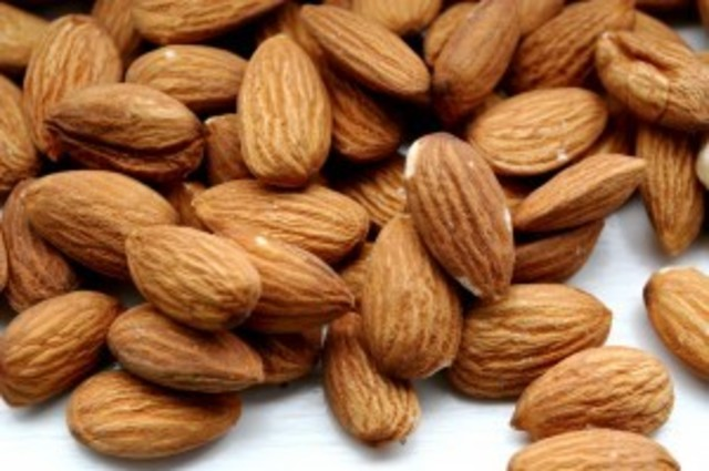 1428586283 almonds close up 300x199