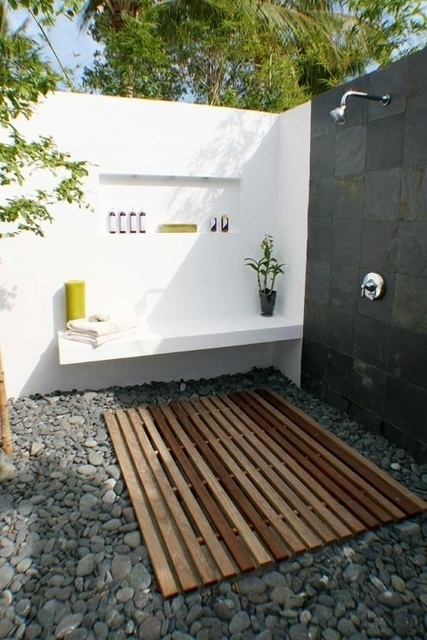 1432195465 outdoor bathroom designs 15