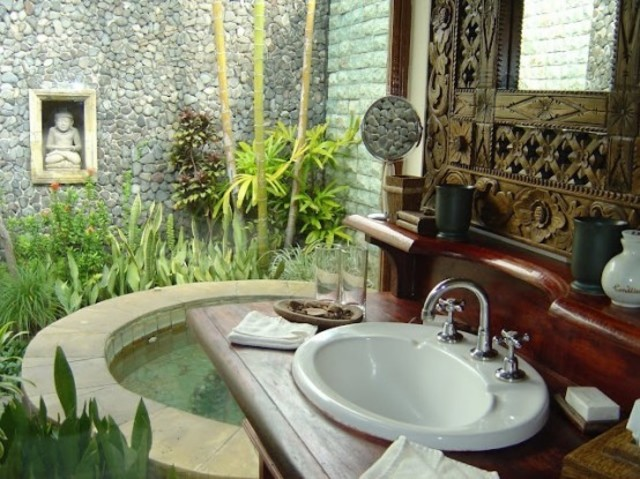 1432195514 outdoor bathroom designs 20