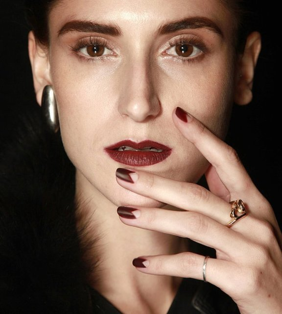 1428593383 nail trends fall 2014 new york fashion week