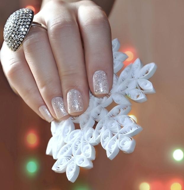 1428593410 glitter nails