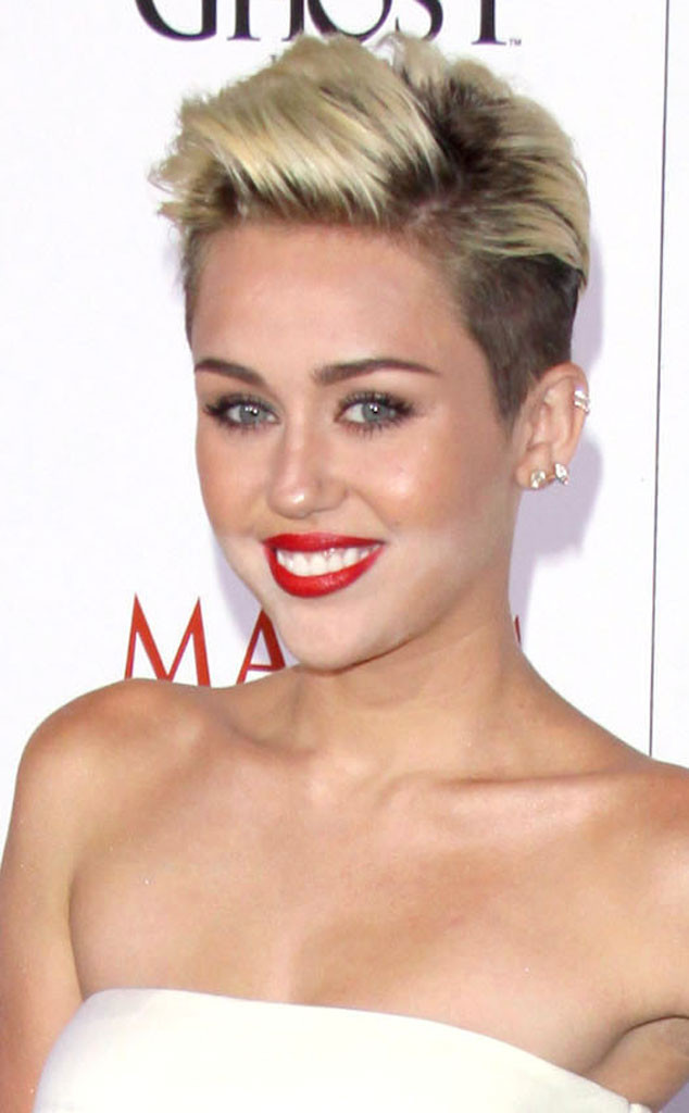 1433306928 rs 634x1024 150123153340 rs 634x1024 130516084500 634.mileycyrus.whiteface.jc