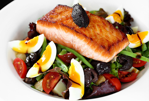 1433410485 istock rf photo of high protein salad