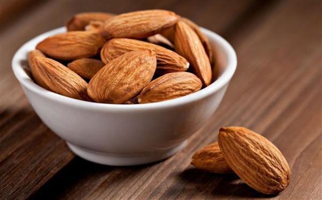 1428600615 almond2