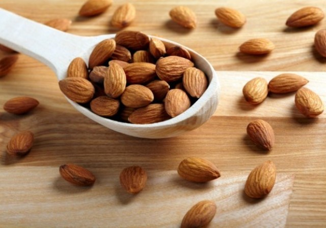 1428821381 2015 almonds wallpaper for 600x420