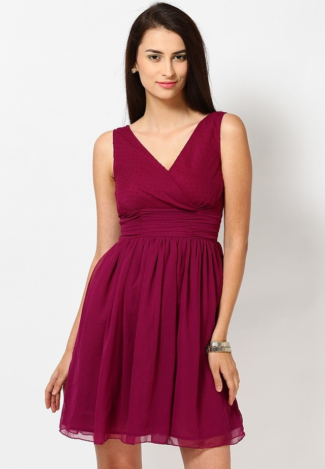 1434014207 sleeve less gathered maroon dress