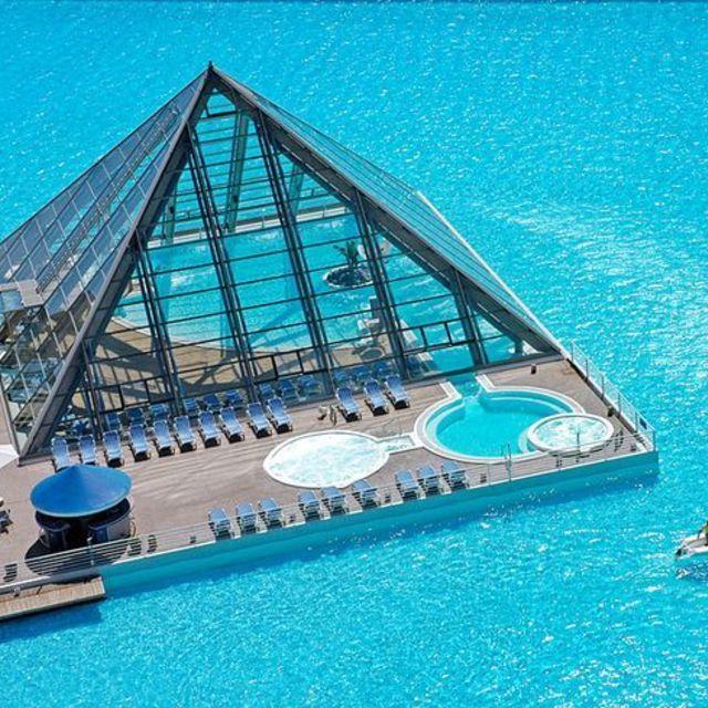 7สระว่ายน้ำที่คุณต้องอยากไปสัมผัส