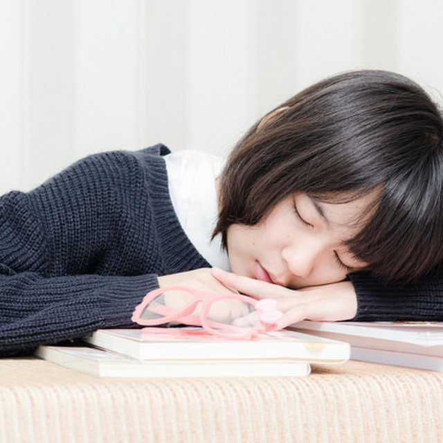 เปลี่ยนบรรยากาศการอ่าน ด้วยการจัดโต๊ะหนังสือกันมั้ย ?