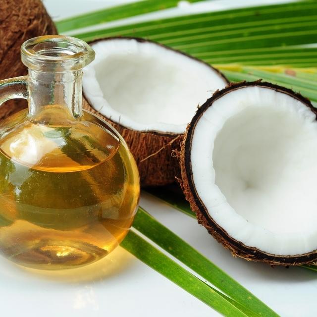 9 Beauty Uses for COCONUT OIL ความสวยจากน้ำมันมะพร้าว