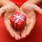 Icon 1433829326 hands gift e1370020210763