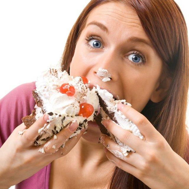 อย่าหาว่าไม่เตือน !! คนที่ชอบกินของหวานจุกจิกตลอดเวลา !!