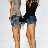 Icon 1434021167 11 ways to wear denim shorts like mary kate and ashley olsen